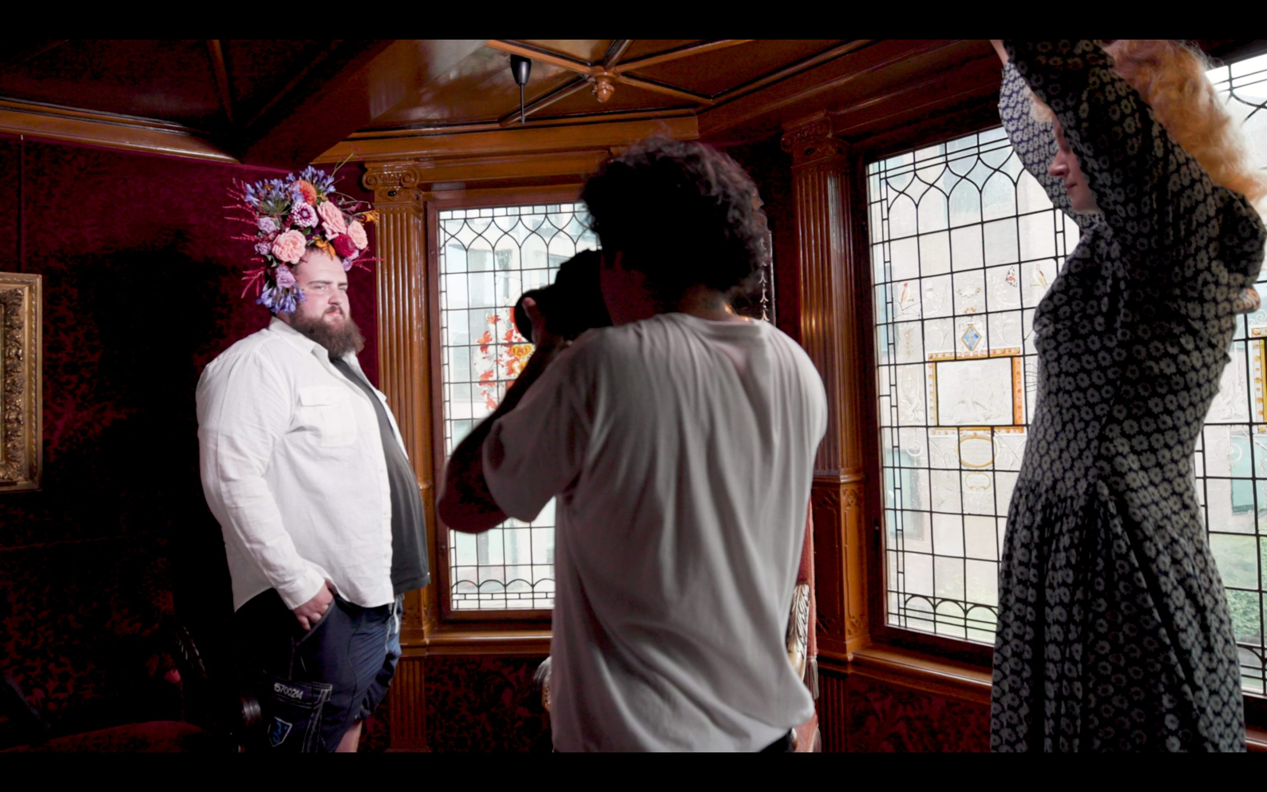 A behind the screens moment with the photographer Prins, Ryan and Noortje